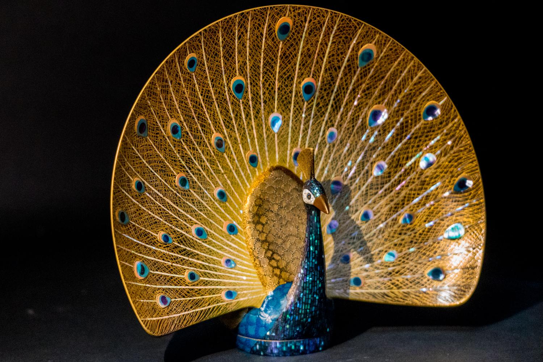 lacquer shin shitsu peacock artwork